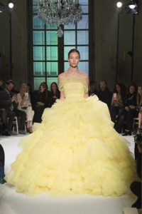 giambattista_valli_haute_couture_12___look_46_jpg_4396_north_1382x_black