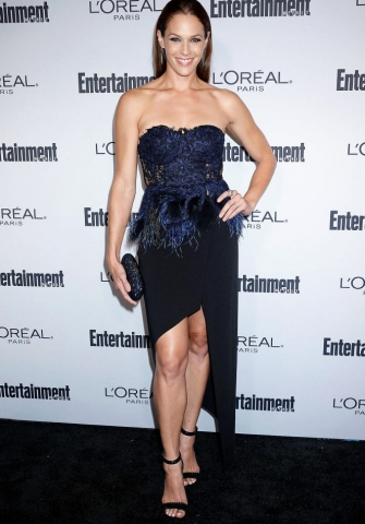 Amanda-Righetti-2016-Entertainment-Weekly-Pre-Emmy-Party-01-662x993-335x480