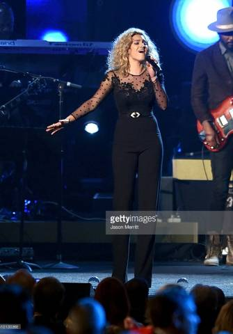 Grammys-Best-New-Artist-Nominee-Tori-Kelly-wearing-CRISTALLINI-at-MusiCares-in-Los-Angeles-1-335x480