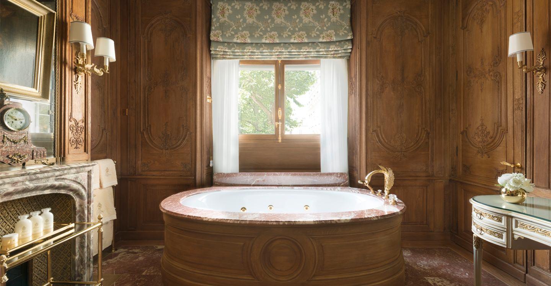 ritz-paris-hotel-suite-imperiale-salle-de-bain_0